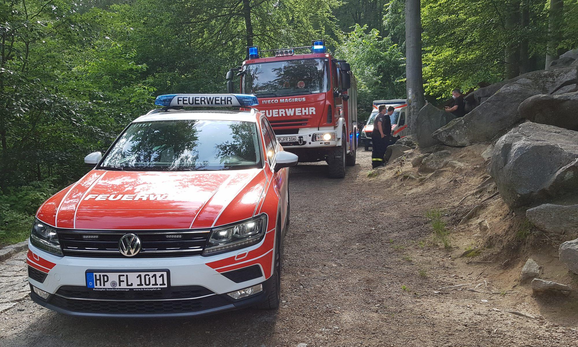 Feuerwehr und Rettungsdienst bei Rettungspunkt 4 im Felsenmeer am 27.06.2021 (2. Einsatz)