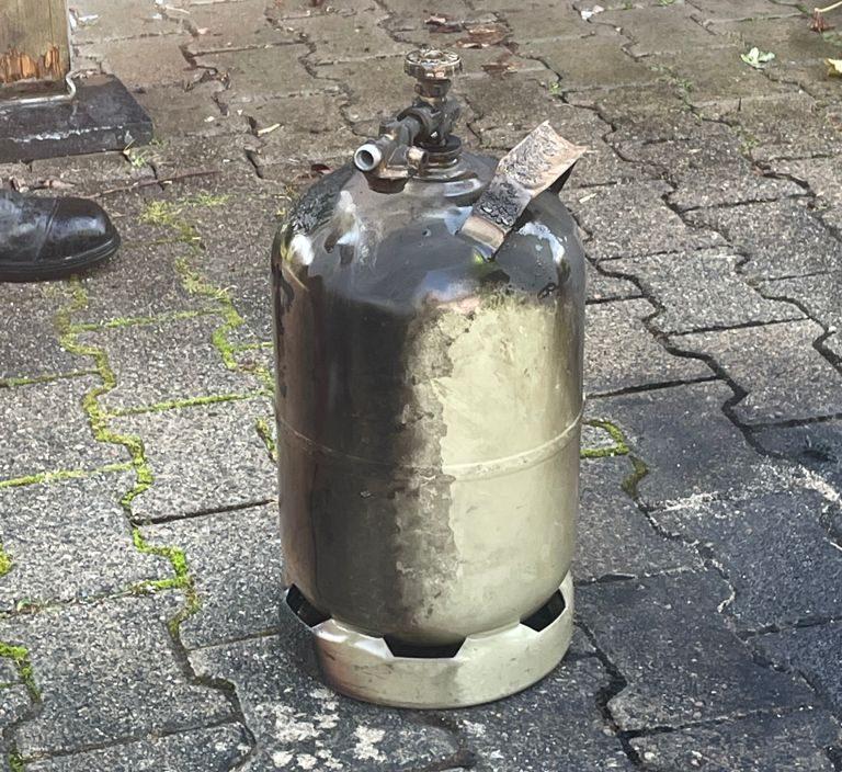 Abgebrannte Gasflasche nach Gasflaschenbrand am 14.09.2021